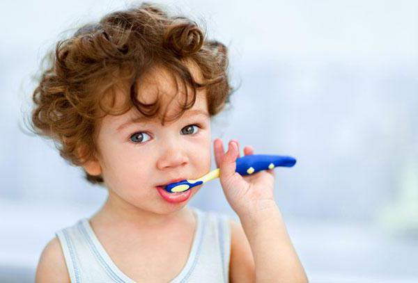 Ce poti sa faci cand copilului ii miroase gura | primariabeuca.ro