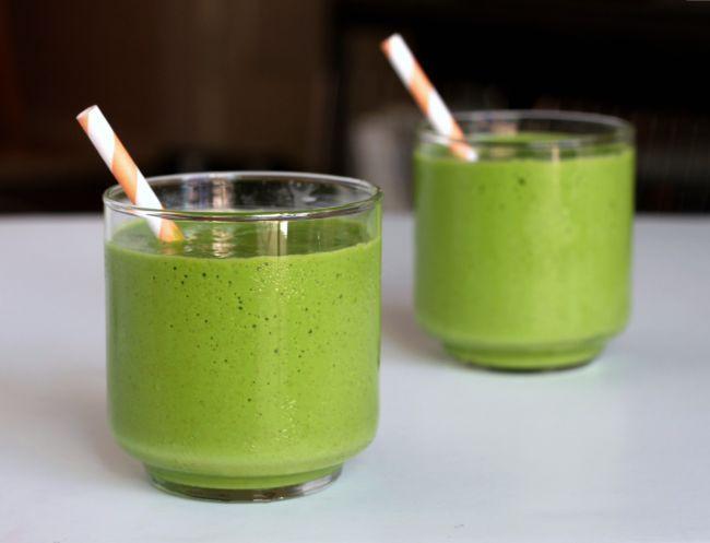 retete smoothie verde detoxifiant
