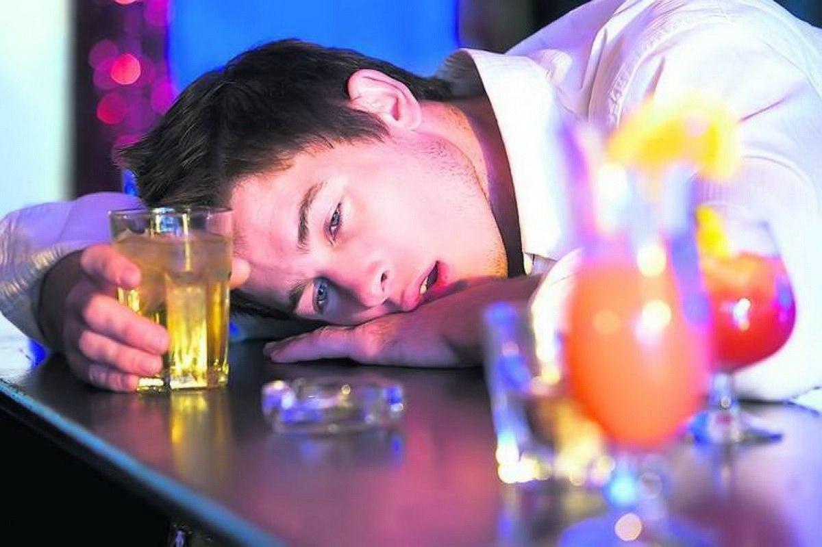 Alcoolismul – abuzul de alcool sau dependenta