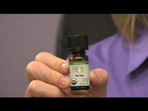 Tea Tree Oil pentru condiloame: Beneficii, moduri de utilizare, și o face de lucru