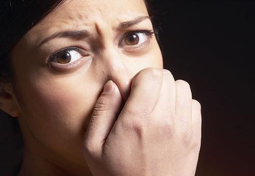 respiratie urat mirositoare pe nas